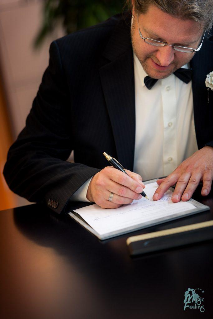 Standesamt Hofheim - Trauung Unterschrift